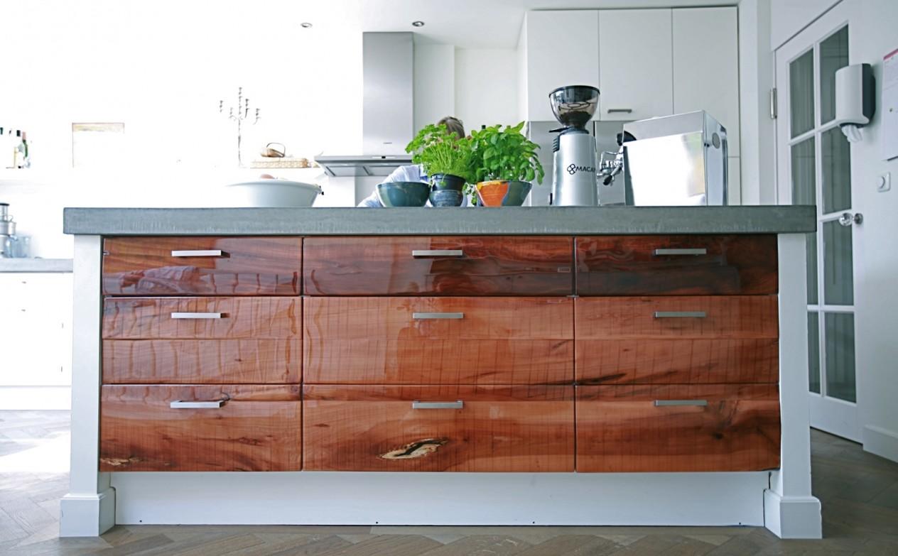Beton Keuken Kosten : home keuken keuken ruw appelhout en epoxy contact