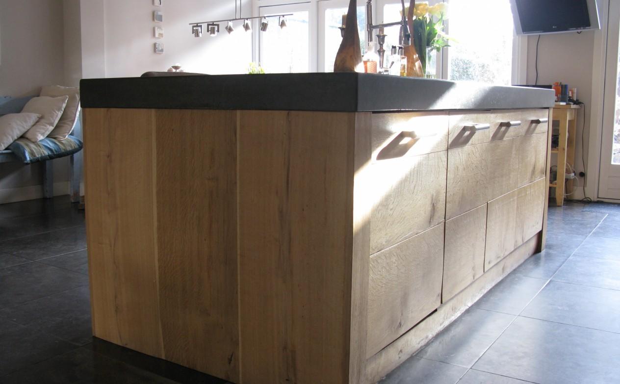 Eikenhout In Keuken : Keuken van massief ruw eikenhout